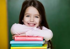 djevojcica sa knigama