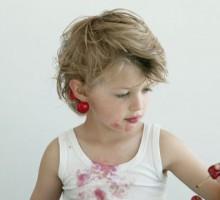 Kako ukloniti fleke od voća sa dječije odjeće