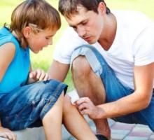 Kad dijete padne, šta (ne)raditi