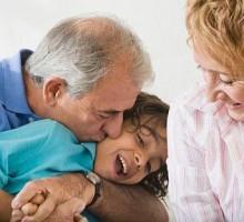 Mudrost godina: uticaj baka i deka na vaspitanje djece