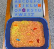 Kako pomoći djeci da lakše nauče azbuku i abecedu kroz igru?