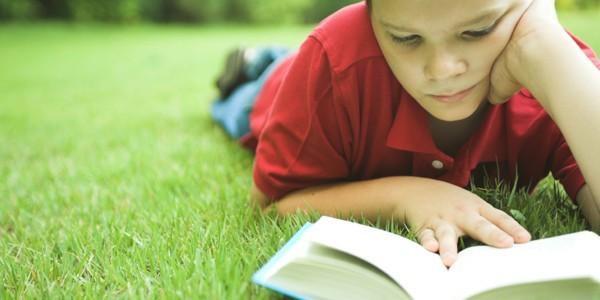 Što porodica može uraditi da bi djeca čitala tokom ljeta?