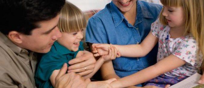 Šta znači naučiti djecu da budu dobri ljudi?