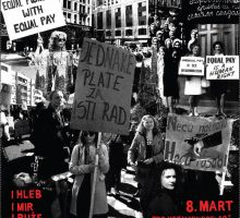 Osmomartovski marš žena u podne